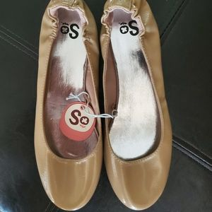 SO Tan Ballerina Flats NWT Sz 9.5M